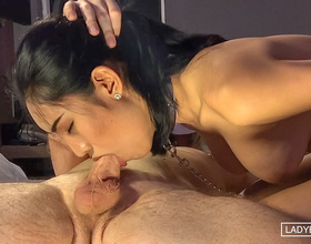 Yuki	:	Kinky Deep Throat Huge Facial
